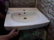 Раковину в ванную комнату для стиральной,  не  высокой машины.
